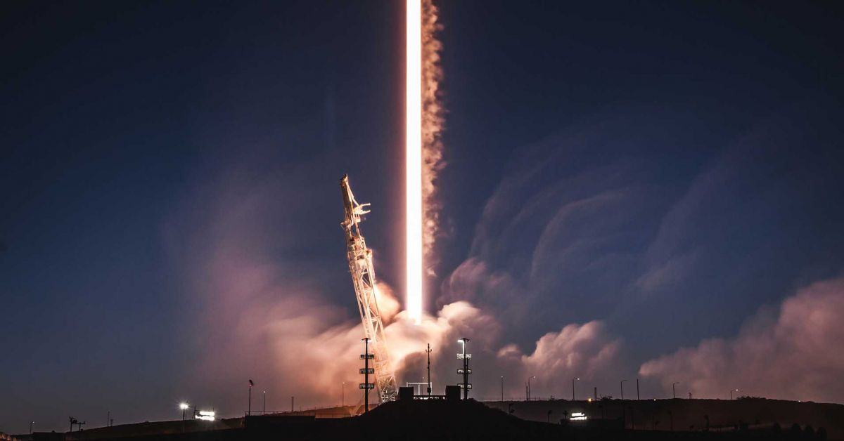 Plan to Launch 7518 Internet Satellites by SpaceX