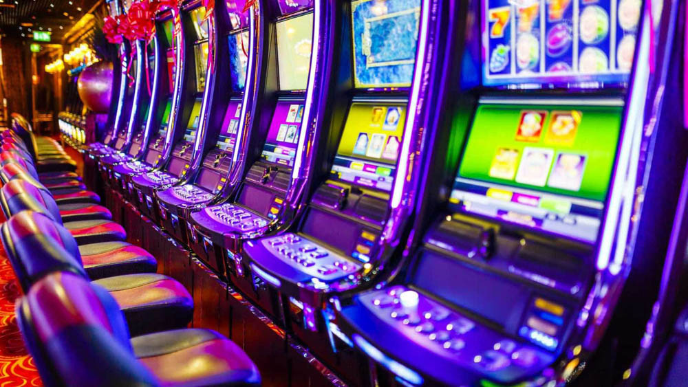 How Social Media Takes Tips from Gambling to Keep Us Hooked
